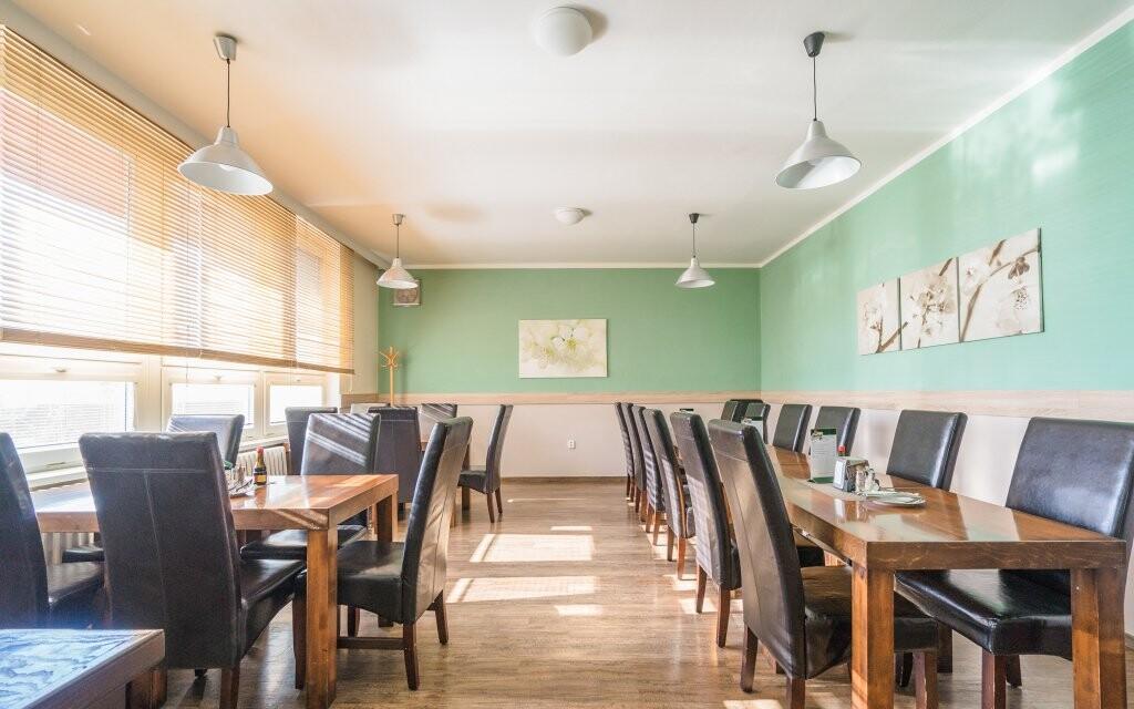 Reštaurácia, polpenzia, Penzión Mlýn, Velké Bílovice
