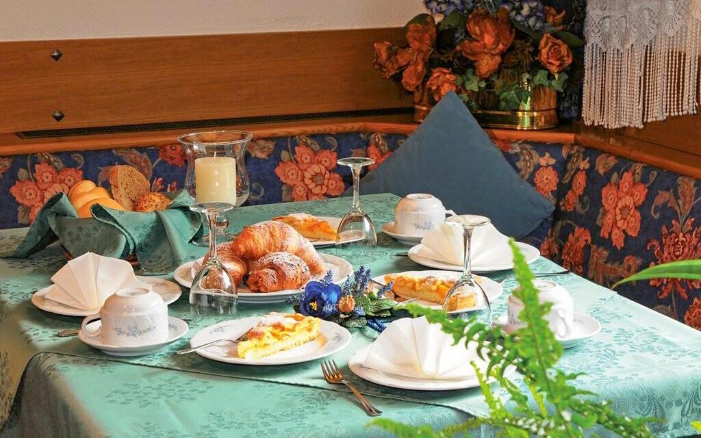 Restaurace, Hotel Villa Eden ***, italské Dolomity