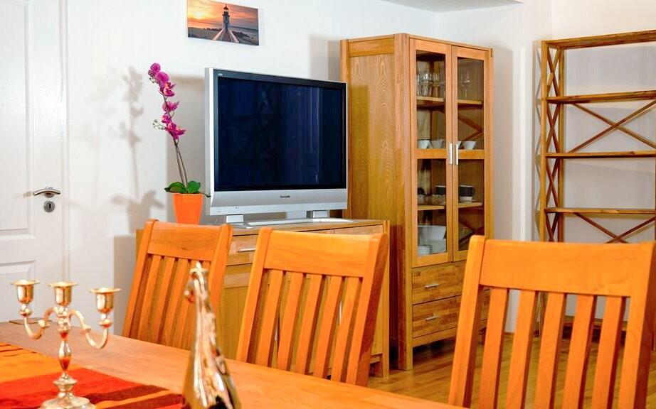 Jedáleň a televízia, Appartement zur Brücke ***, Rakúsko
