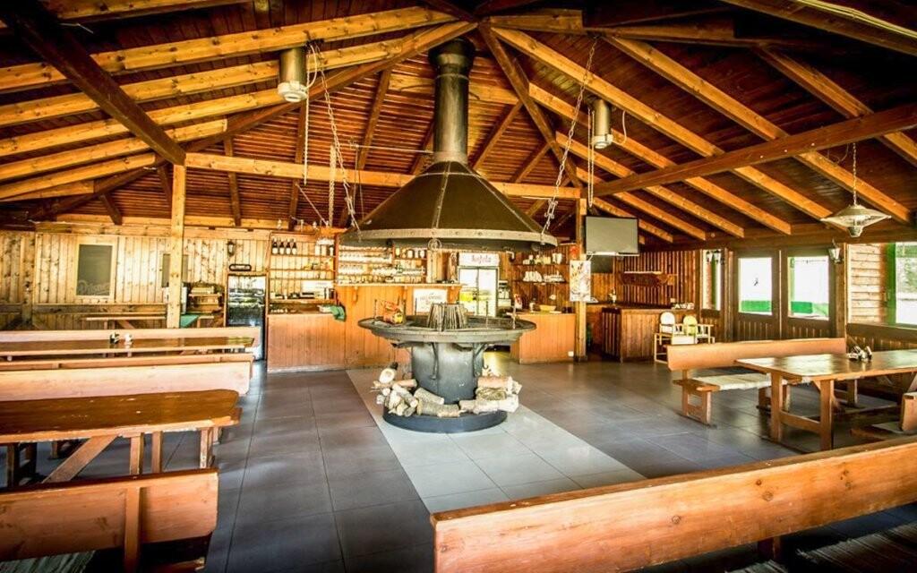 Reštaurácia, ohnisko, Hotel Sázavský ostrov, Sázava