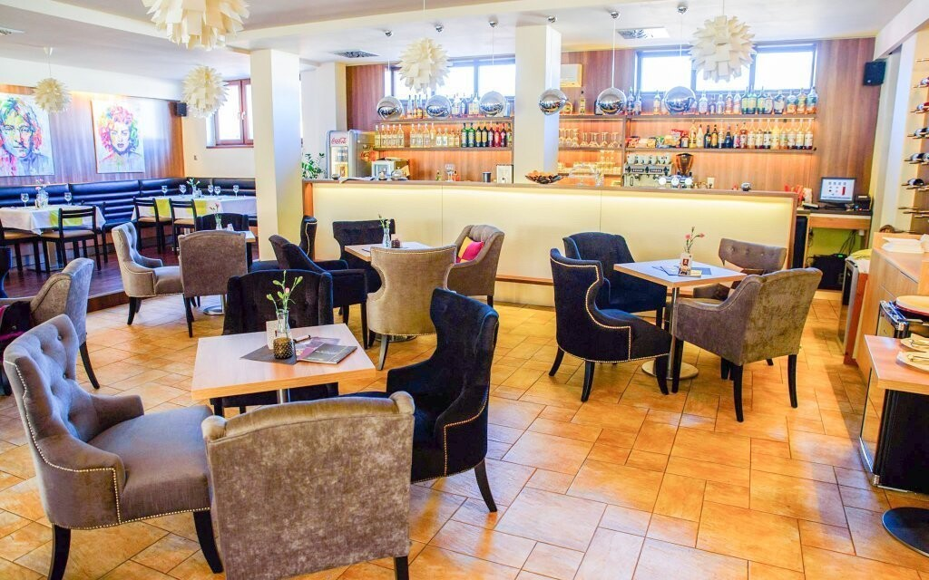 Kaviareň, káva, Hotel Rezident ***, Turčianske Teplice