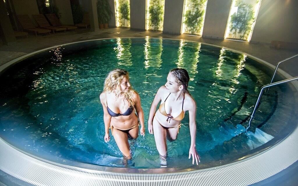 Spa & Aquapark Turčianske Teplice, bazén, vírivka