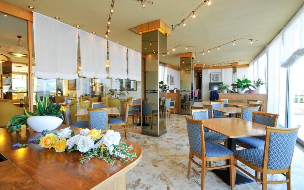 Reštaurácia, Hotel David ***, Cesenatico, Taliansko