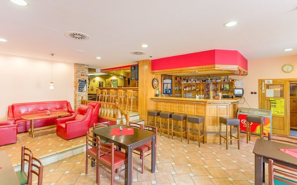 Bar, restaurace, káva, Penzion Retro Vrbovec, jižní Morava