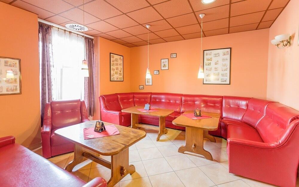Bar, káva, kavárna, Penzion Retro Vrbovec, jižní Morava
