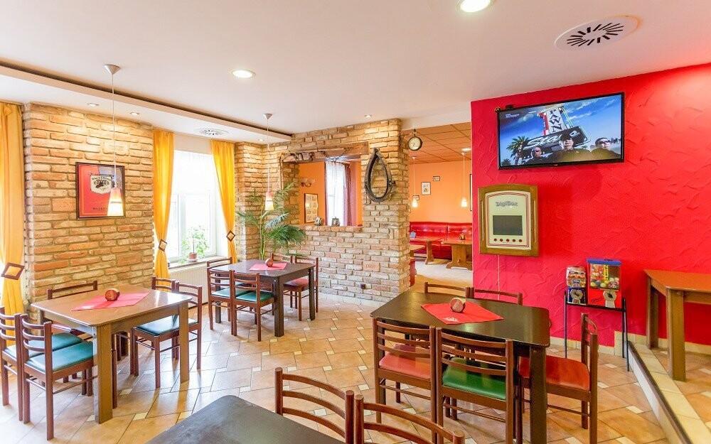 Restaurace, polopenze, Penzion Retro Vrbovec, jižní Morava