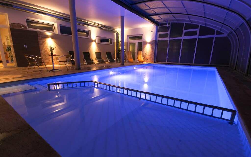 Vonkajší krytý bazén, Panoramadorf Saualpe ***