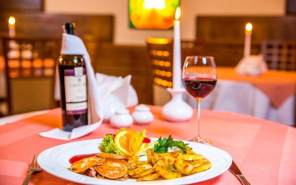 Trojchodové večere, reštaurácia, Redyk Ski & Relax ***