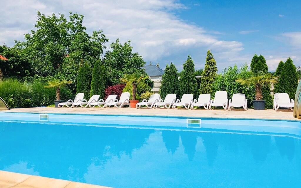 Vonkajší bazén, Penzión Pulse Podhájska