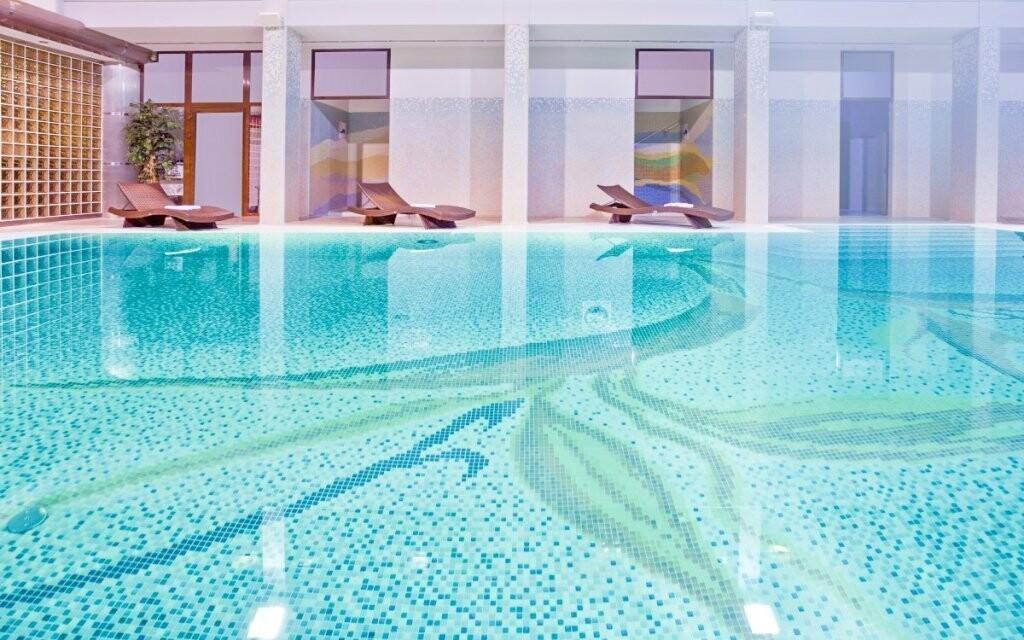Bazén s tobogánom, aquapark, Hotel Klimek **** SPA Poľsko