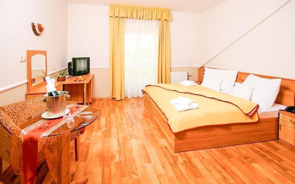 Dvoulůžkové pokoje, Hotel Nefelejcs Superior, Maďarsko