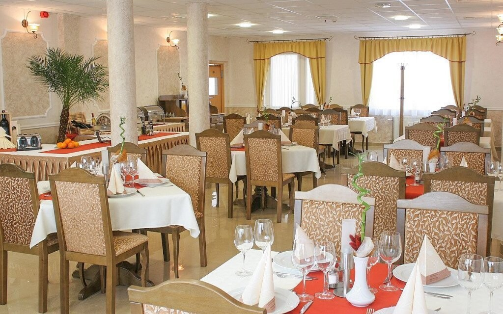 Restaurace, polopenze, Hotel Nefelejcs Superior, Maďarsko