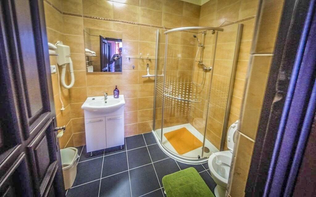 Každý pokoj má vlastní koupelnu, Pension Rex, Šumava