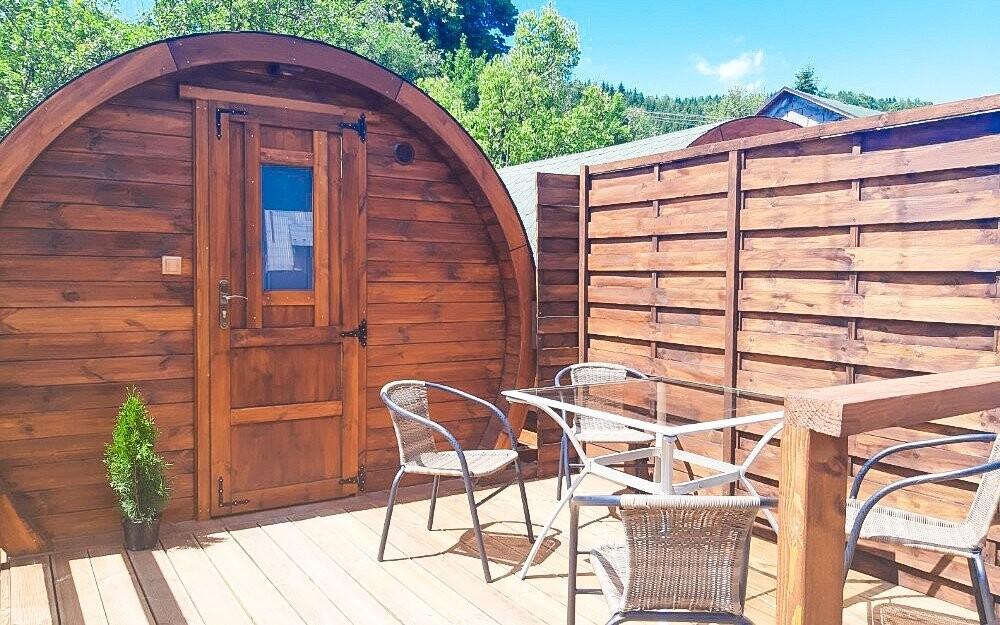 Originální pobyt s ubytováním ve dřevěném sudu