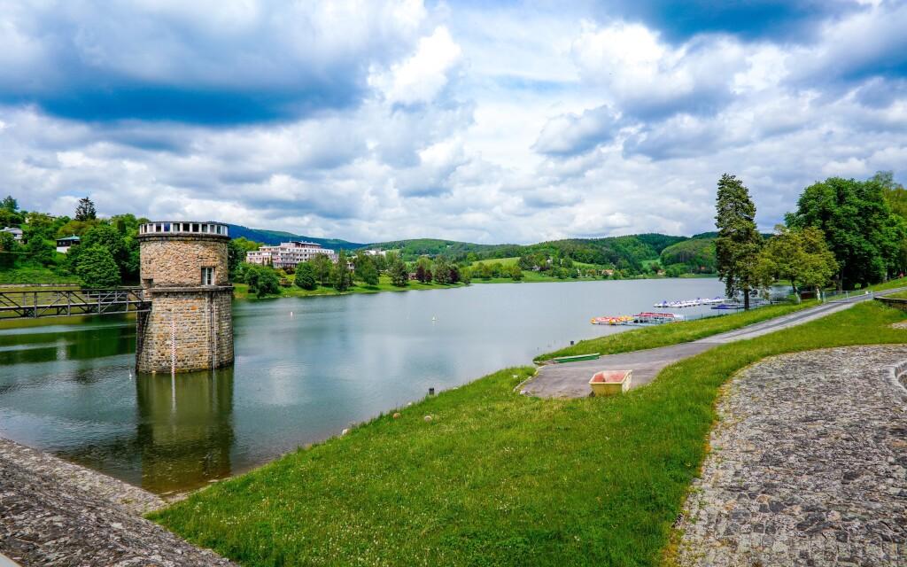 Vydejte se na procházku k Luhačovické přehradě