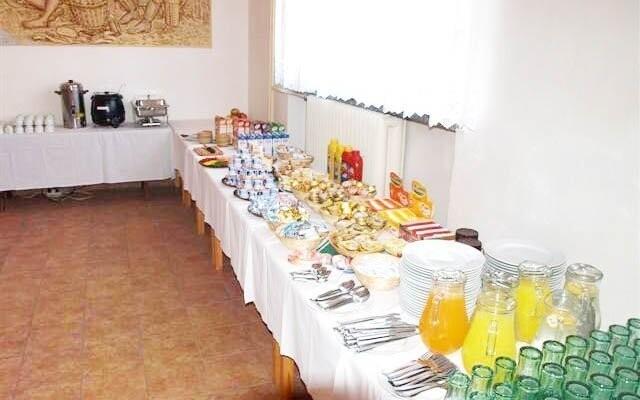 Bufetové raňajky, Penzión V Zahraničí, Bořetice