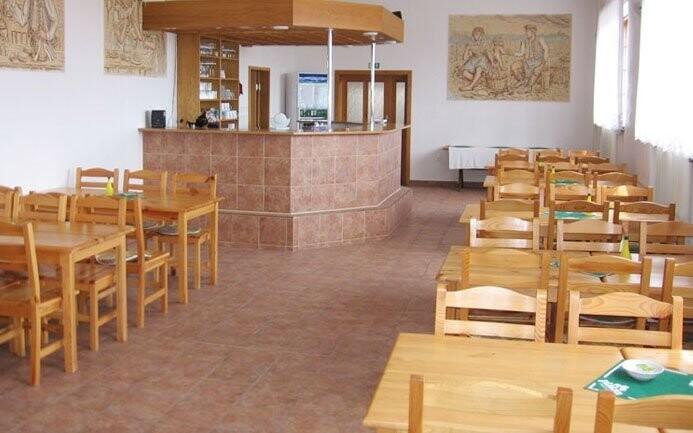 Reštaurácia, Penzión V Zahraničí, Bořetice
