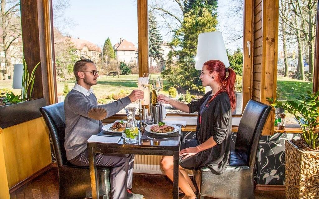 Tešte sa na skvelé pokrmy, Parkhotel Morris Nový Bor