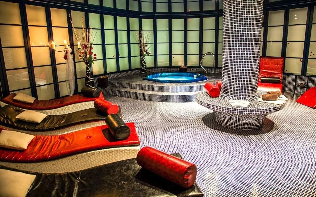 Luxusní wellness s vířivkou v Hotelu Morris Česká Lípa ****