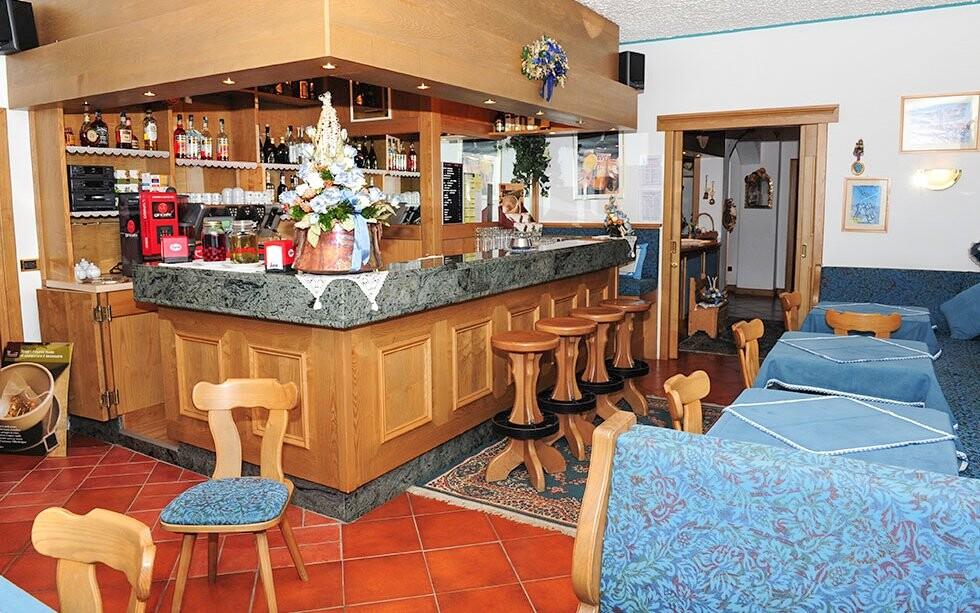 Restaurace a bar, Hotel Villa Eden ***, italské Dolomity