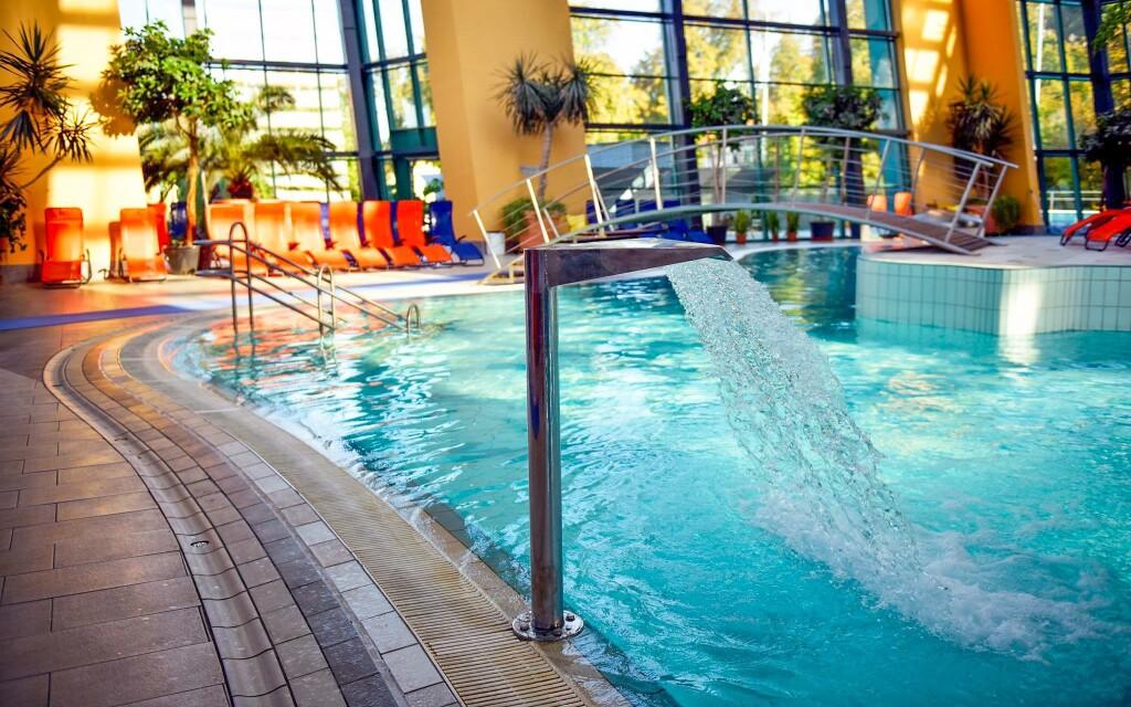 Užijte si neomezený vstup do termálních lázní Aquasziget