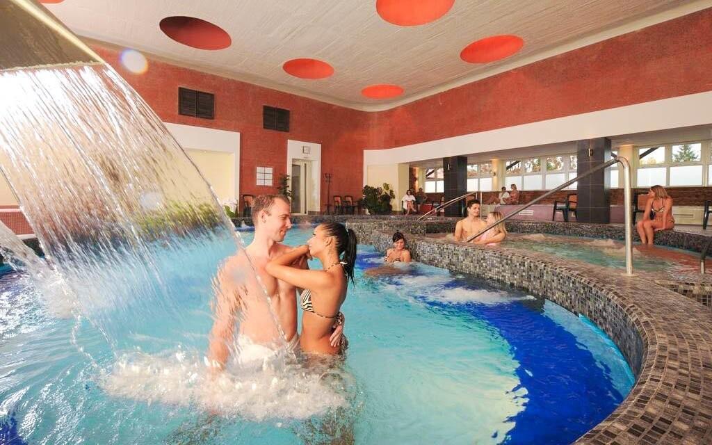 Wellness a bazény v Hunguest Hotelu Flóra ***