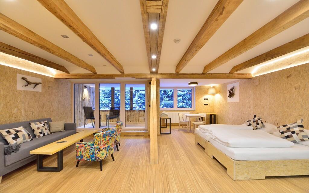 Útulné dřevěné pokoje, Resort Montanie, Jizerské hory