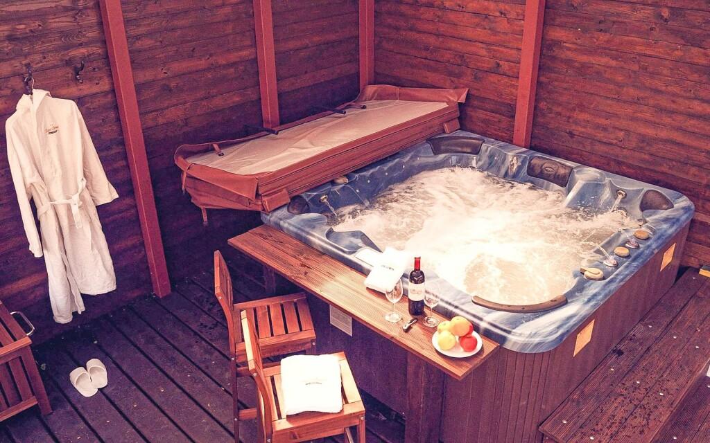 Užijte si relaxaci ve vířivce, Hotel St. Michael v Březové