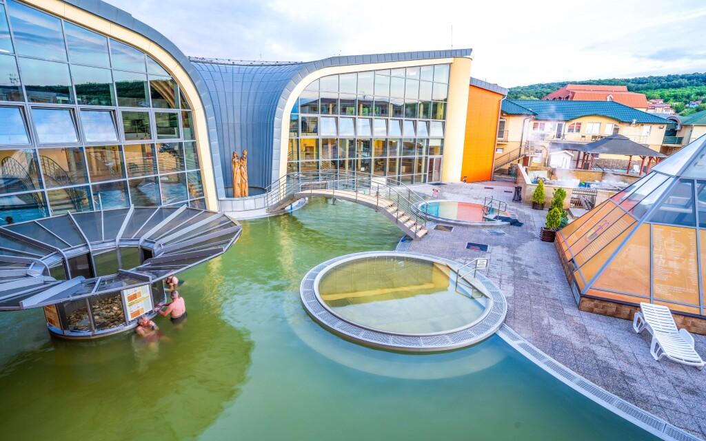 Relaxujte vo Wellness Aquamarin, Podhájska