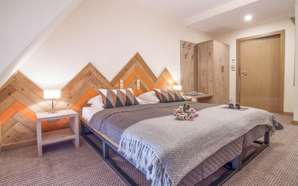 Ubytujte sa v moderných izbách ladených do svetlých tónov