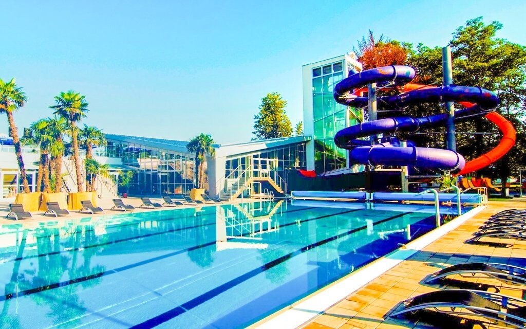 Aquapark Turčianske Teplice, bazén, tobogán, leto, relax