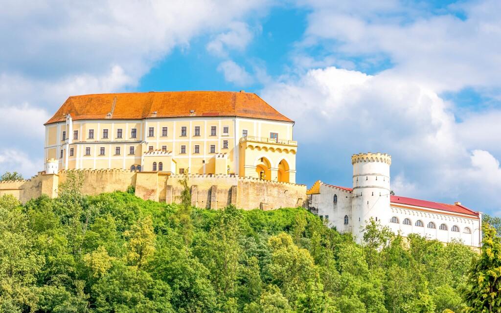 Letovický majestátní zámek, Penzion Havírna, Moravský kras