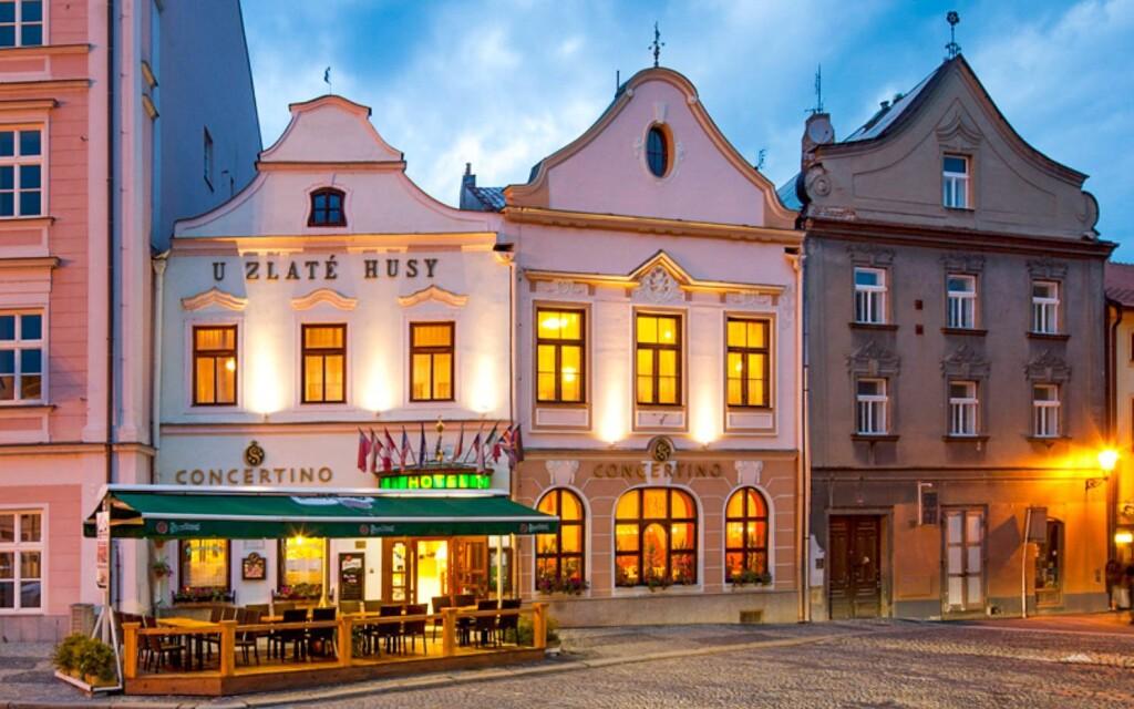 Hotel Concertino - Zlatá Husa ****, Jindřichův Hradec