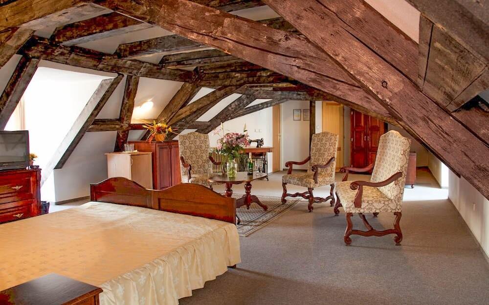 Luxusní historické apartmá, Hotel King George ***, Praha