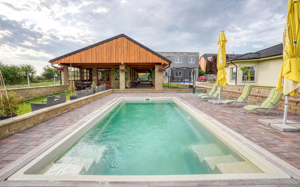 Vonkajší bazén, Penzion U Vodníka, Podhájska