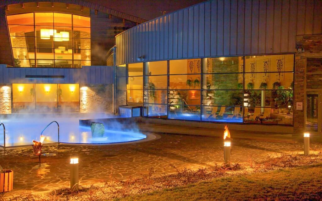 V blízkosti penziónu stojí aquapark Terma Bania