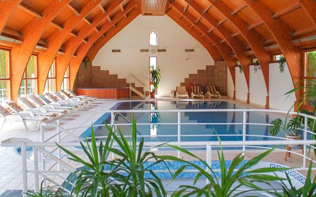 Bazén vo wellness centre Hotel Ágnes *** Hévíz Maďarsko