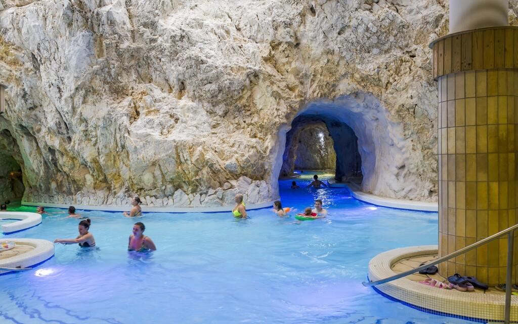 Jeskynní lázně Miskolctapolca jsou odtud jen 5 minut