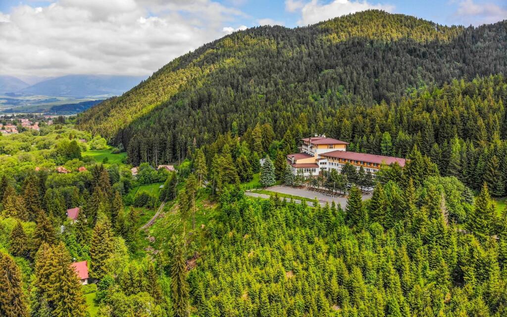 Relax Hotel Avena *** se nachází v krásném prostředí Tater