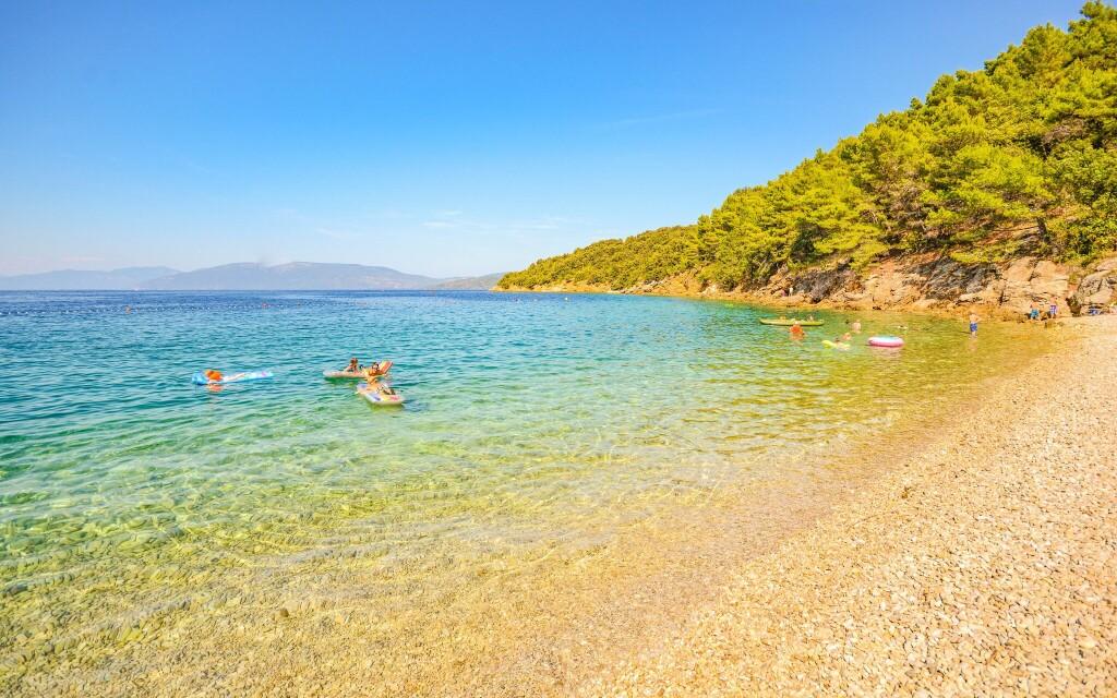Nejbližší pláž je jen 100 metrů od ubytování