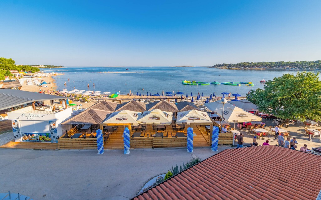 Istrie znamená nejkratší cestu k Jadranu, Hotel Koral ***