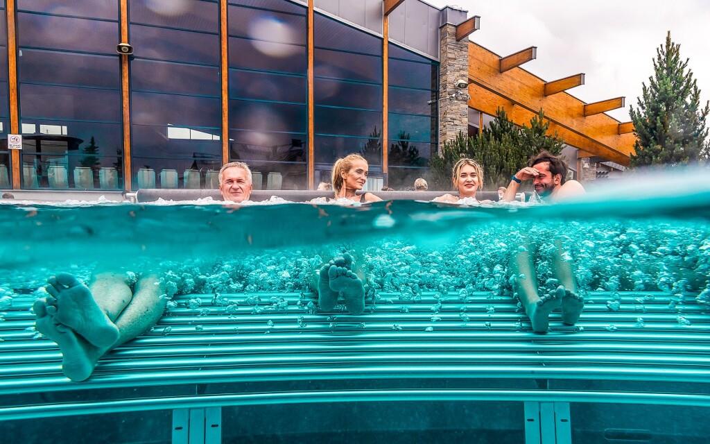 V blízkosti penzionu stojí aquapark Terma Bania