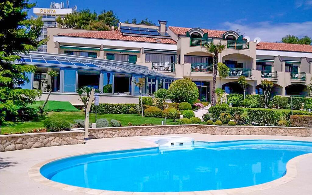 Bazén, Hotel Villa Radin ****, Chorvátsko
