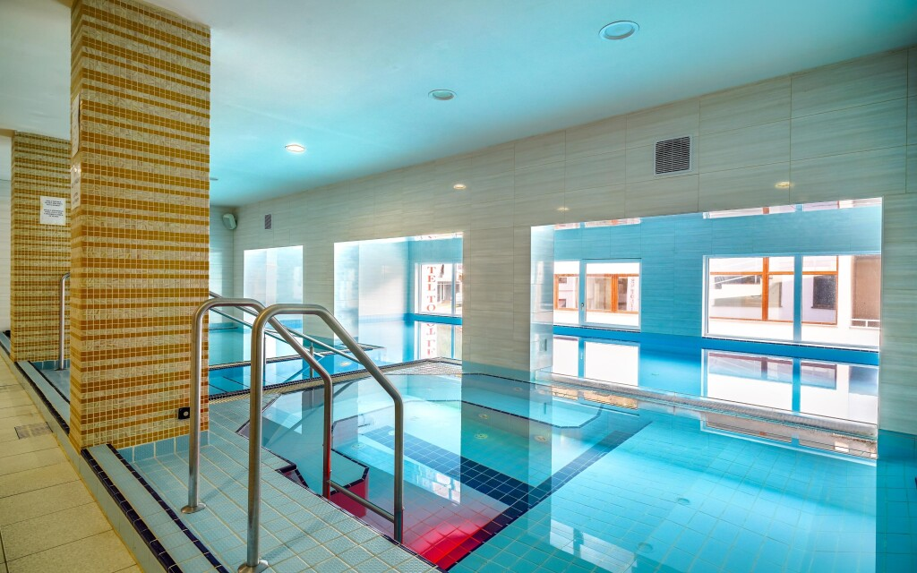 Bazén, wellness centrum, Hotel Toliar ***