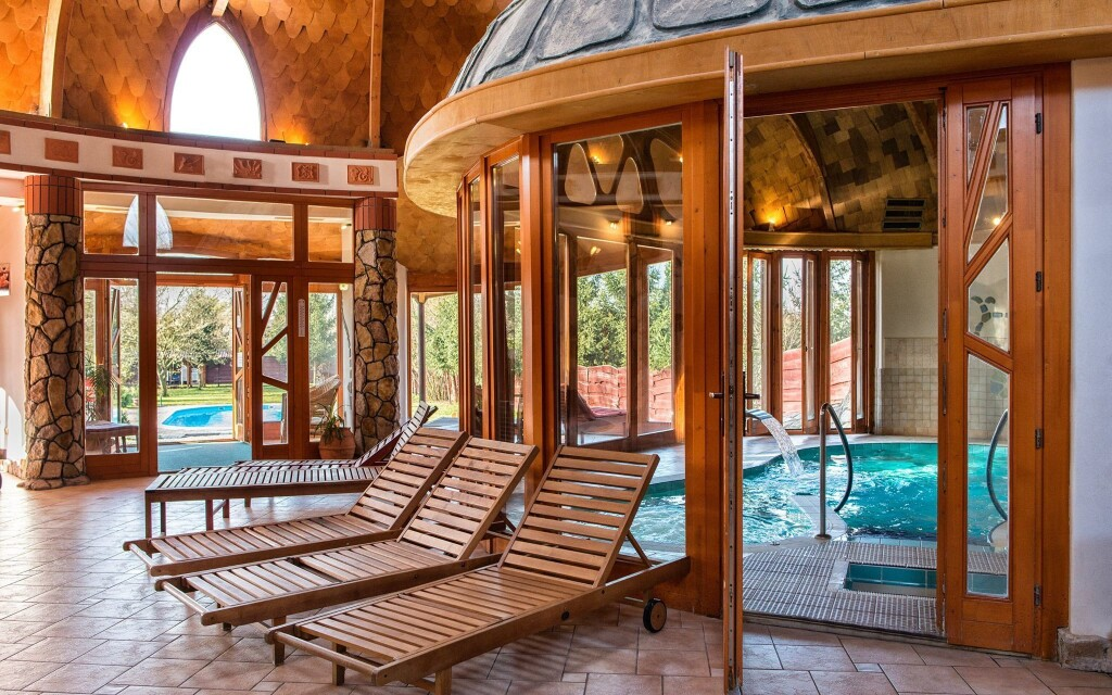 Wellness, bazén, bazény, relaxace, Hotel Piroska, Bük