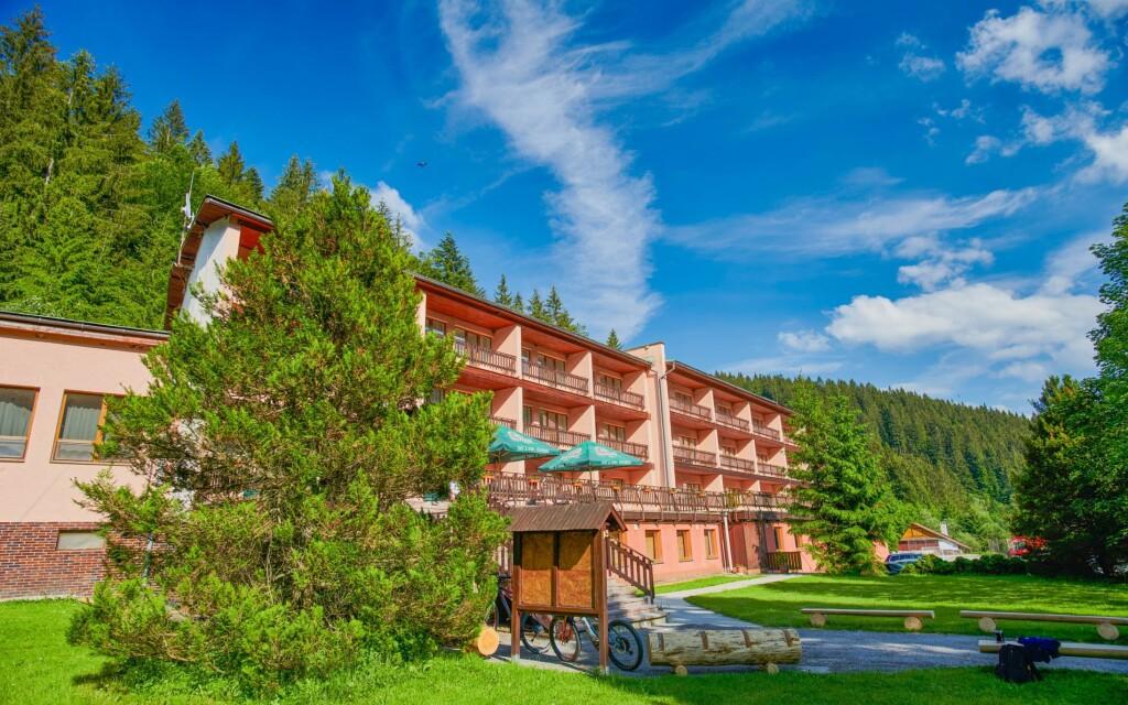 Hotel Podjavorník **, Slovensko