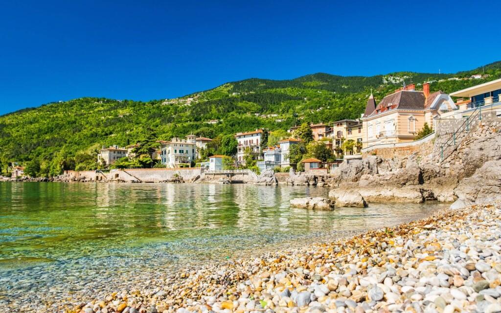 Lovran je krásné přímořské město, Chorvatsko