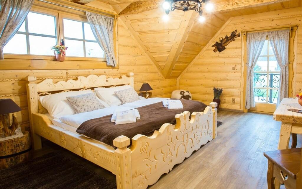 Stylové pokoje s vůní dřeva, Zbojnická Koliba