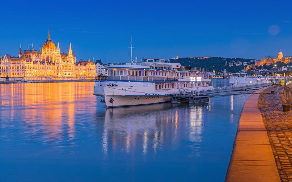Grand Jules Boat Hotel ***, Budapešť