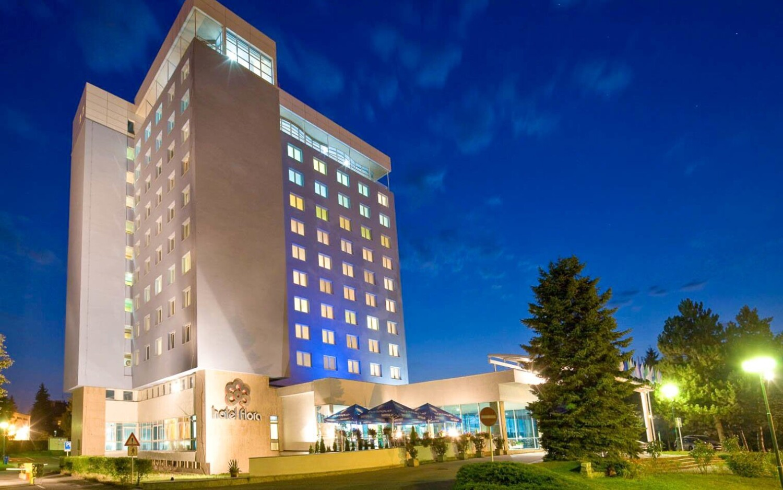 Hotel Flora *** stojí v parku v centru Olomouce